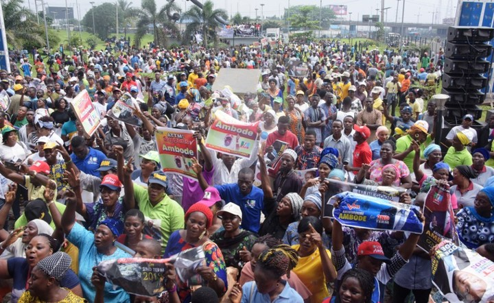 Ambode Supporters Troop out in Solidarity