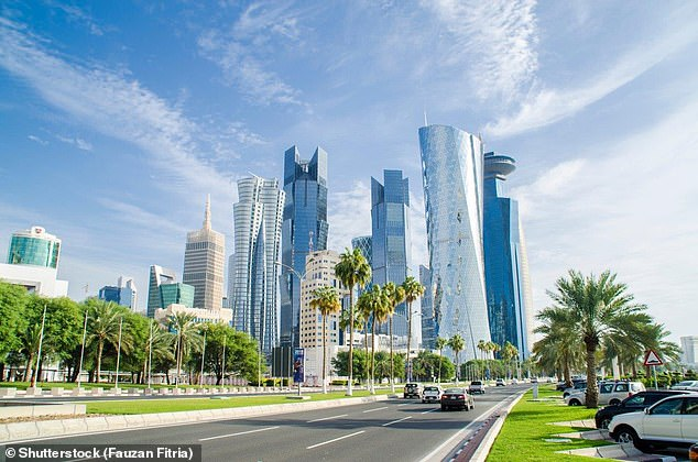 Qatar Installs AC Outdoors & Paints Roads Blue Due To Heat - See Photos