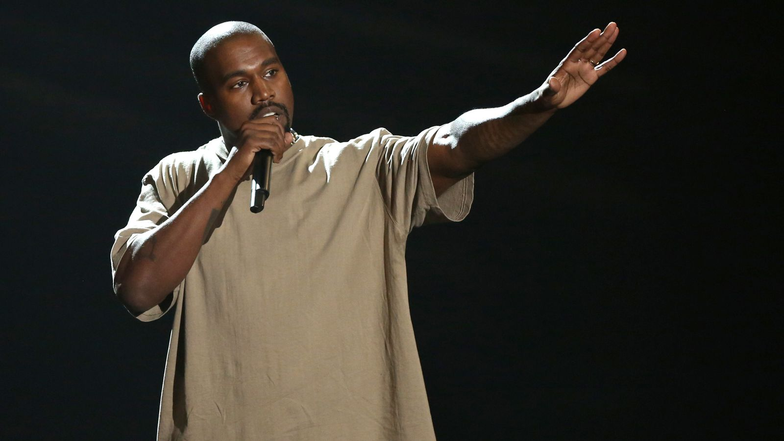 Kanye West Now The Richest Black Man In the World