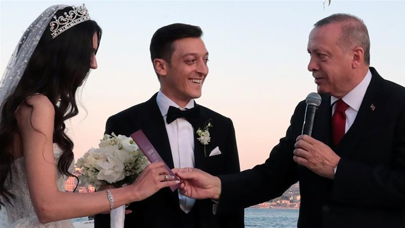 Mesut Ozil Weds, Makes Turkish President His Best Man