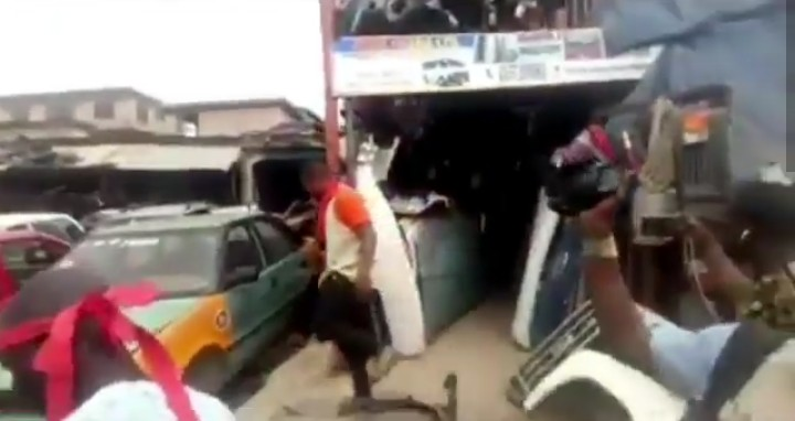 Nigerians In Trouble As Ghanaians Destroy Their Shops & Goods Worth Millions