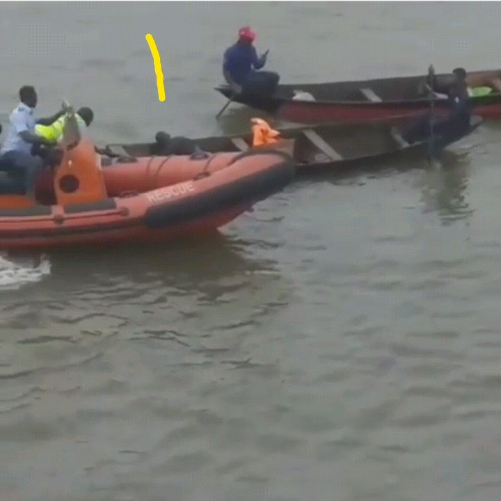 Man Jumps Off Awolowo Bridge In Lagos To Commit Suicide