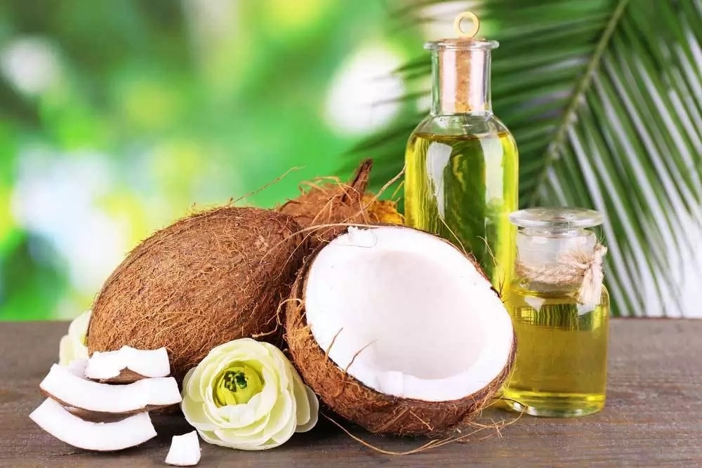 8 Easy Steps To Extract Coconut Oil Without Heating