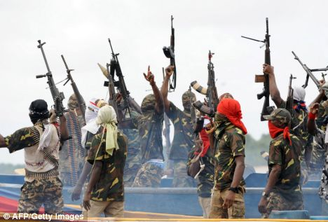 Niger Delta Militant Group Threatens to Resume Bombing of Oil Installations in Niger Delta