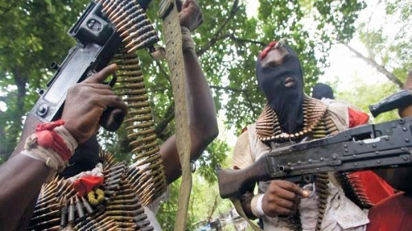Gunmen kill 6 in Plateau village, set houses and farms ablaze