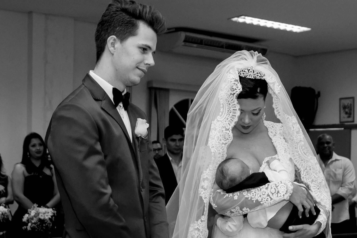Bride Applauded For Breastfeeding Her Baby During Wedding