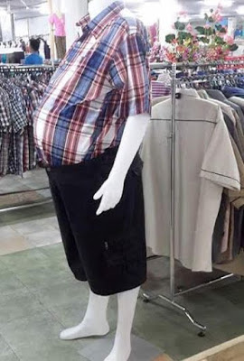 Funny Mannequin spotted in Kenyan Boutique