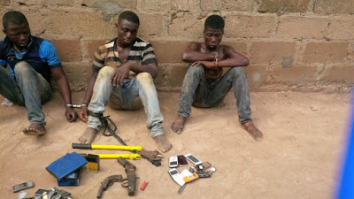 Stupid Robbers Caught Arguing over how to share their loot
