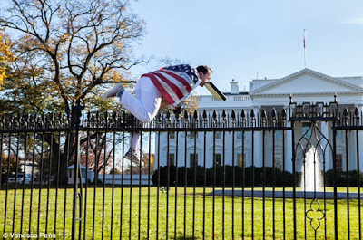 Insane Man jumps over White House Fence