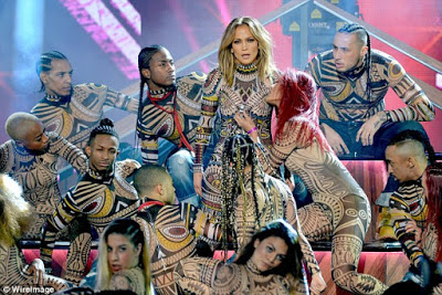 Anaconda performance by J-Lo at AMA 2015 turns raw