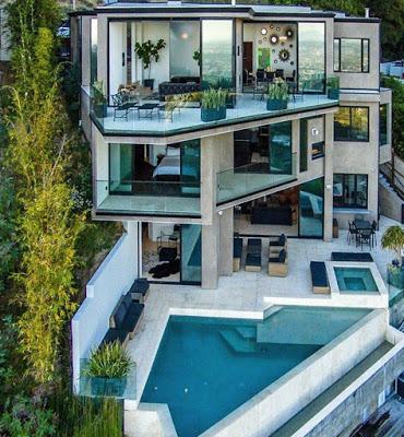 Minecraft gamer makes millions, buys $4M mansion