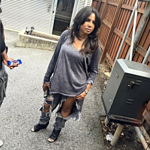 Is Toni Braxton mad? She wore a rag