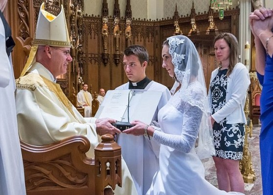 38 Year old consecrated Virgin gets married