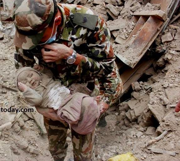 4 month old baby found alive after 4 days in Nepal earthquake
