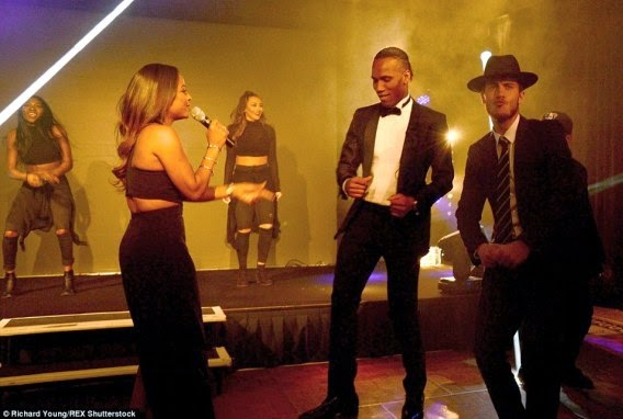 Look at that Eden Hazard at Didier Drogba Foundation charity ball