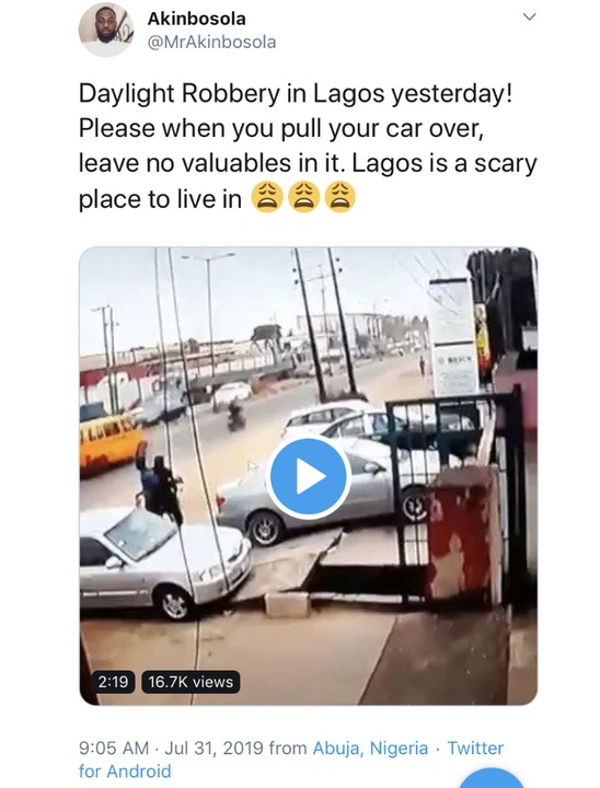 Daylight Robbery Caught By CCTV Camera In Lagos