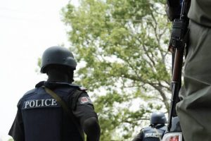 Gunmen kill policeman and injures many in robbery operation
